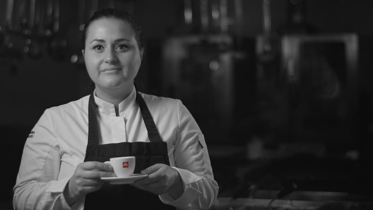 Caterina Ceraudo with illy coffee cup